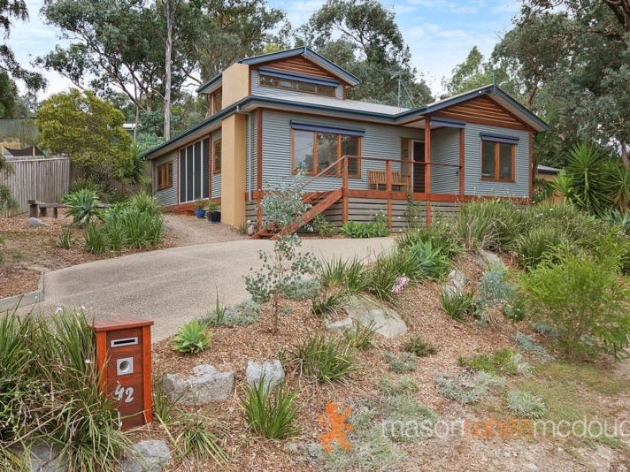 42 Curtain Road, Hurstbridge, Vic 3099