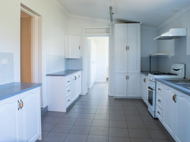 12 North Terrace, Tantanoola, SA 5280