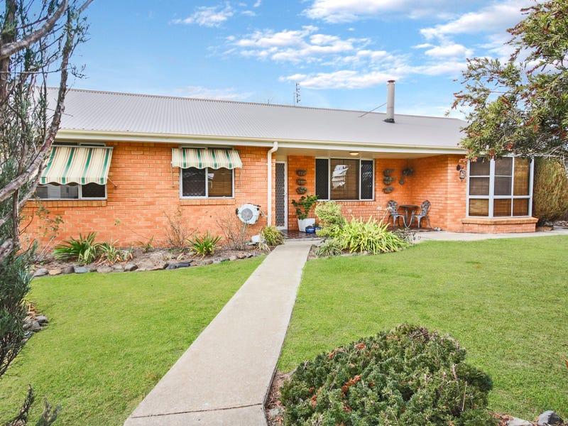 122 Bulwer Street, Tenterfield, NSW 2372