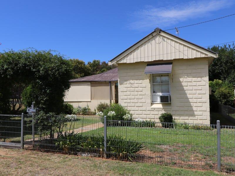 21 Dungaleer Street, Cowra, NSW 2794