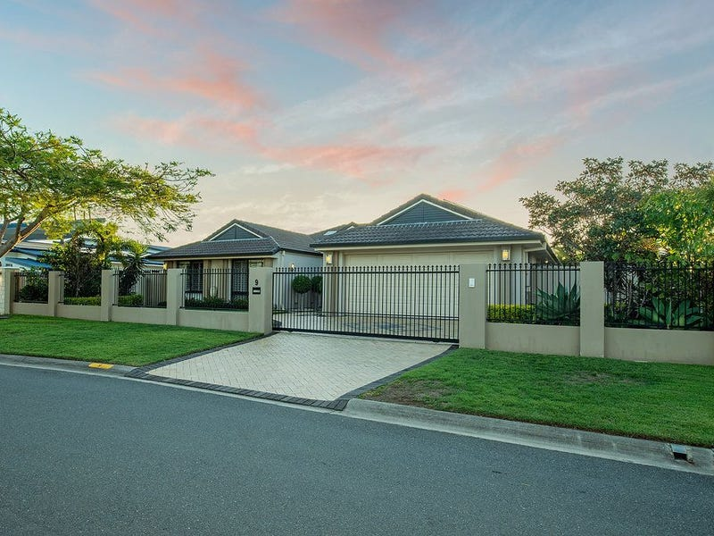 9 Manacor Place, Coombabah, Qld 4216