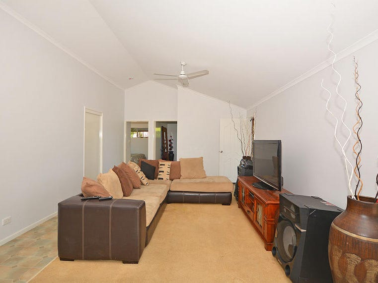 32 Swan Dr, Booral, Qld 4655