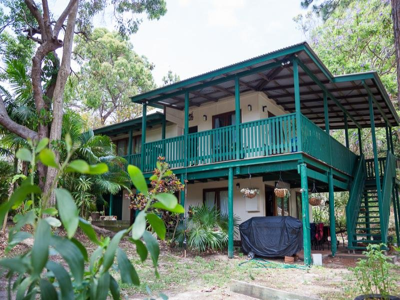 30 Booran St, Point Lookout, Qld 4183