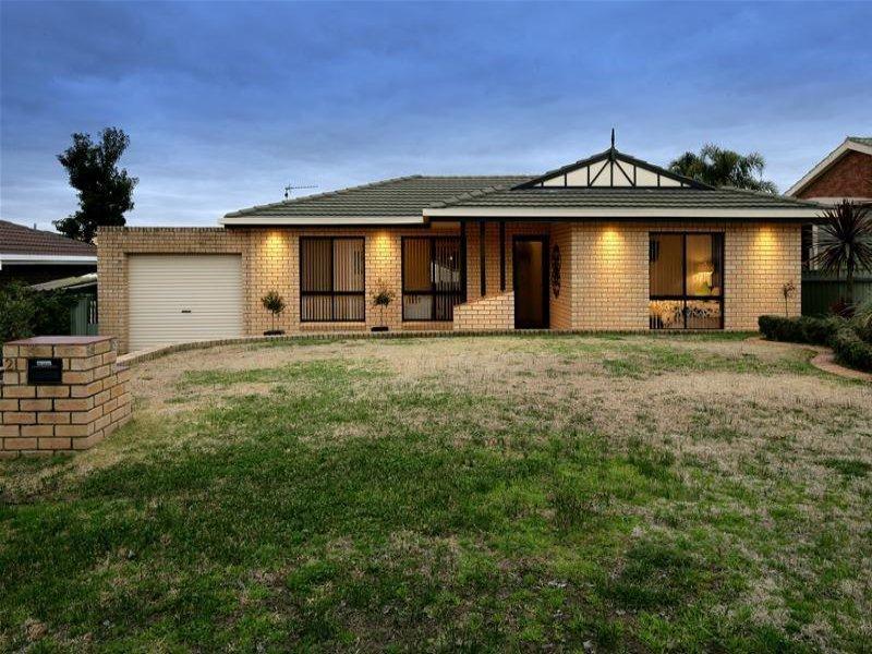 21 Eaton Street, Flowerdale, NSW 2650