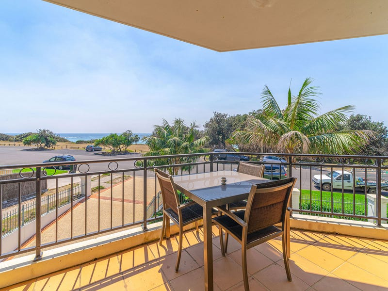 Breakers 6, Block 1 Pacific Parade, Yamba, NSW 2464