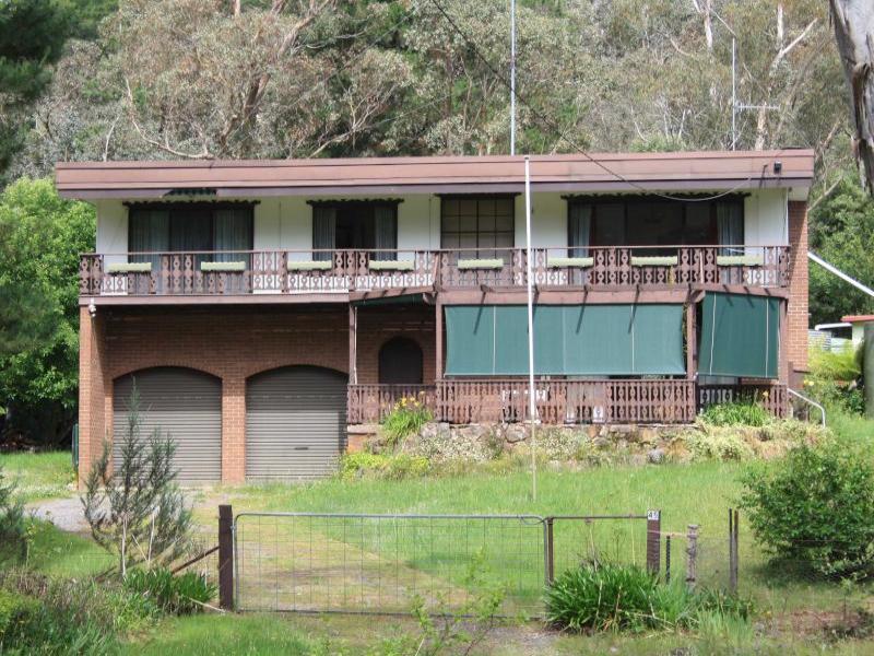 45 Jenkin Road, Macs Cove, Vic 3723