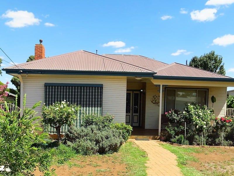 6 Cypress street, West Wyalong, NSW 2671