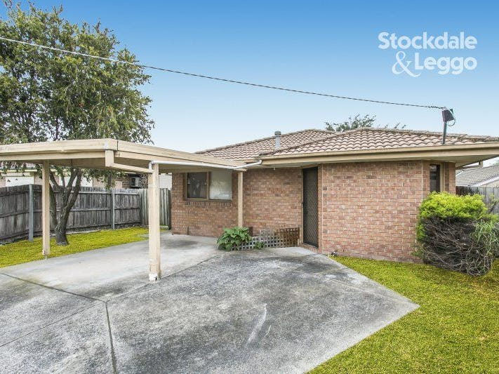 2/1 PLAISTOW COURT, Cranbourne North, Vic 3977