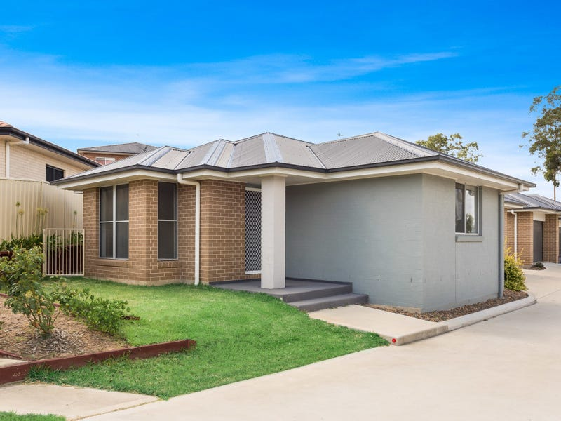 1/61 Clayton Crescent, Rutherford, NSW 2320