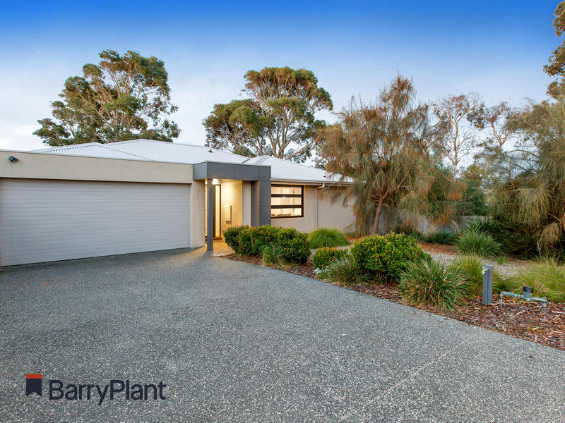 8 Bay Vista Close, Mount Martha, Vic 3934