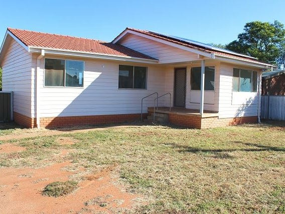 17 Yarran Circle, Cobar, NSW 2835