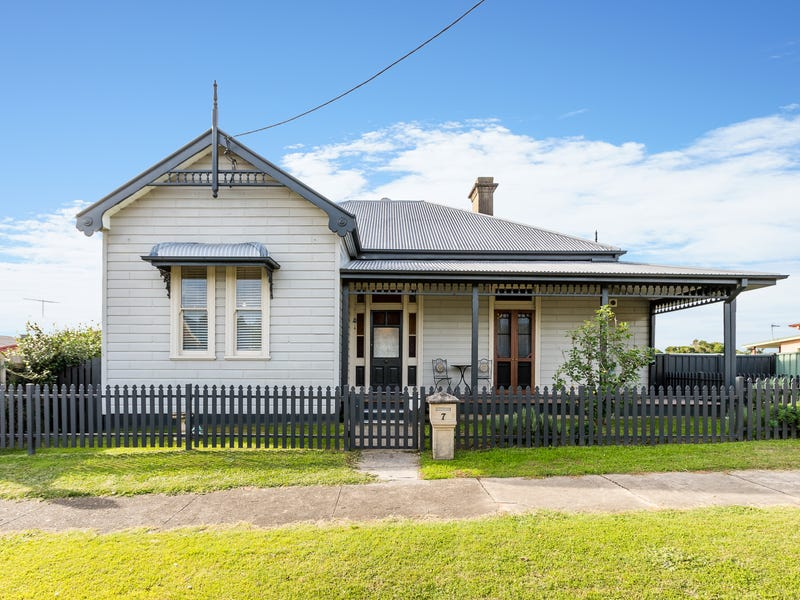 7 Mackay Street, Dungog, NSW 2420