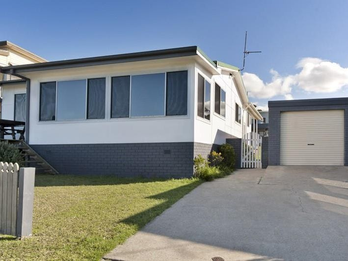 63 Seaside Parade, Dolphin Point, NSW 2539