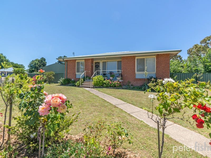 11 Nunkeri Place, Orange, NSW 2800