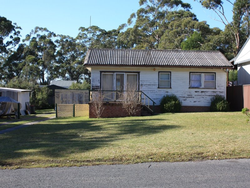 12 Pine Street, Bendalong, NSW 2539