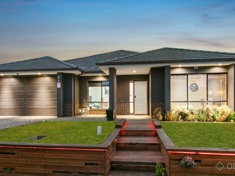16 Prosperity Avenue, Cranbourne North