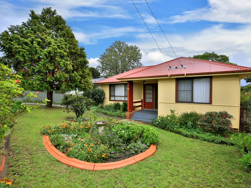 19 Young Avenue, Nowra, NSW 2541