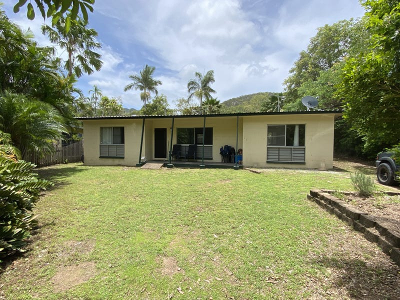 16 Robson St, Nelly Bay, Qld 4819