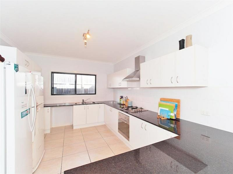 6 Bellthorpe Cresent, Waterford, Qld 4133