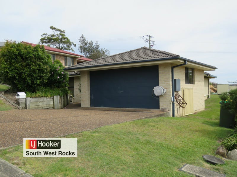 32 Peter Mark Circuit, South West Rocks, NSW 2431