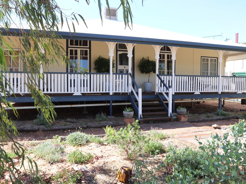 152 Parry Street, Charleville, Qld 4470