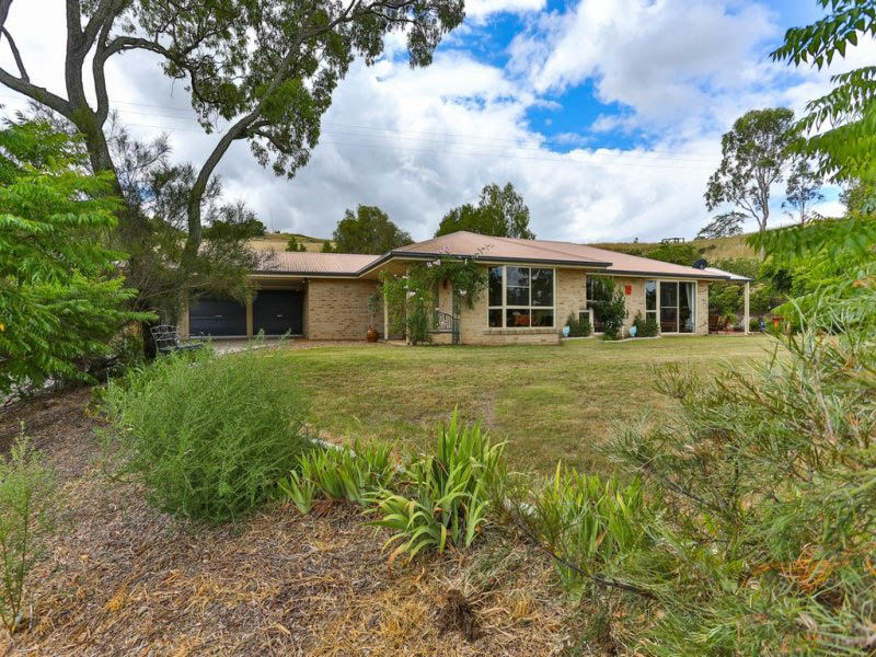 2 Yuelby Close, Gowrie Junction, Qld 4352