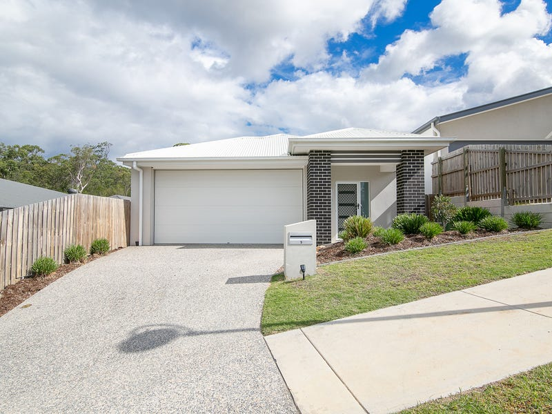 9 Silvertop Crescent, Spring Mountain, Qld 4300