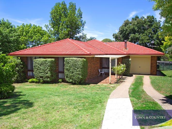 12 Stewart Crescent, Armidale, NSW 2350