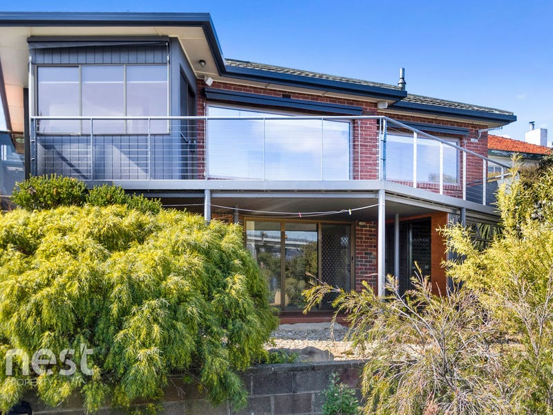 18 Marana Avenue, Rose Bay, Tas 7015