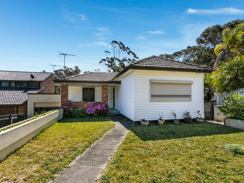 482 Henry Lawson Drive, East Hills, NSW 2213