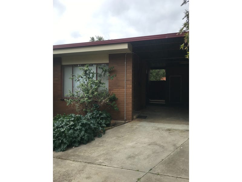1/136 Retreat Road, Spring Gully, Vic 3550