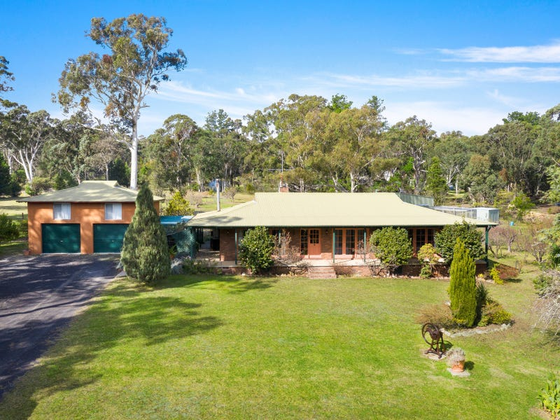 10 Wattle Ridge Road, Hill Top, NSW 2575