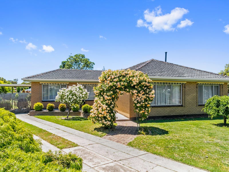 17 Strathdale Crescent, Strathdale, Vic 3550