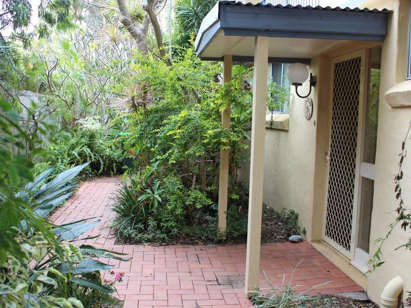 1/8 Shell Cove Lane, Korora, NSW 2450