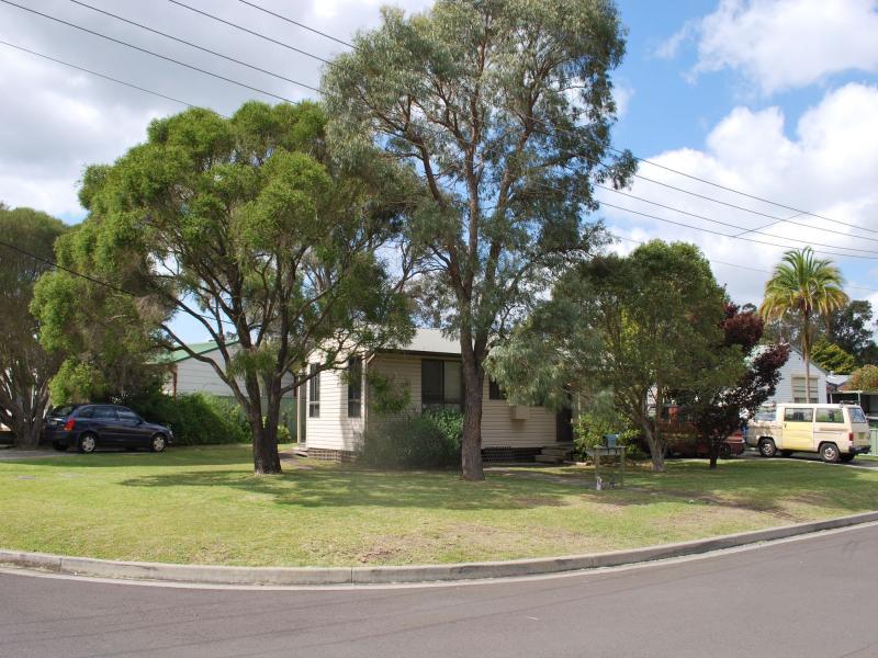 27 Barellan Avenue, Dapto, NSW 2530