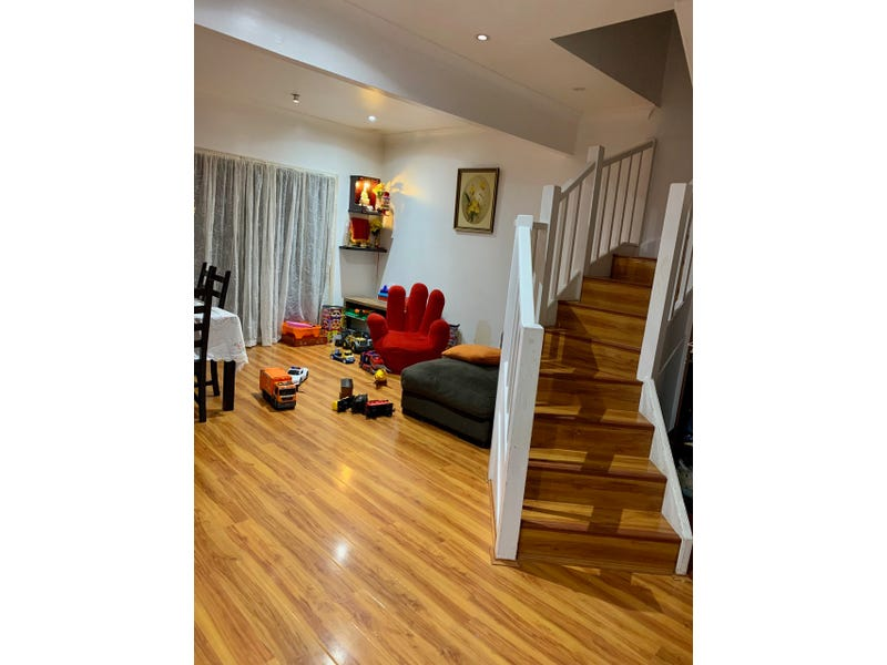 11/135 Rex Rd, Georges Hall, NSW 2198