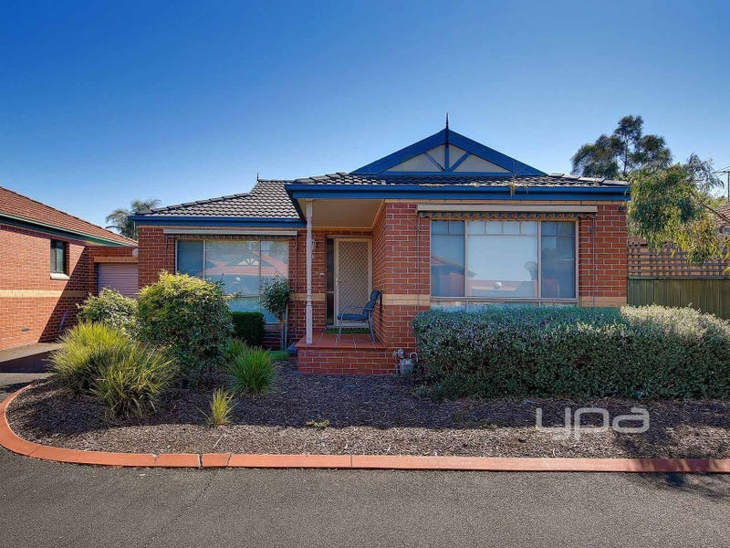 6/8 Knight Crescent, Roxburgh Park, Vic 3064
