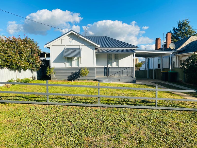 148 William Street, Young, NSW 2594
