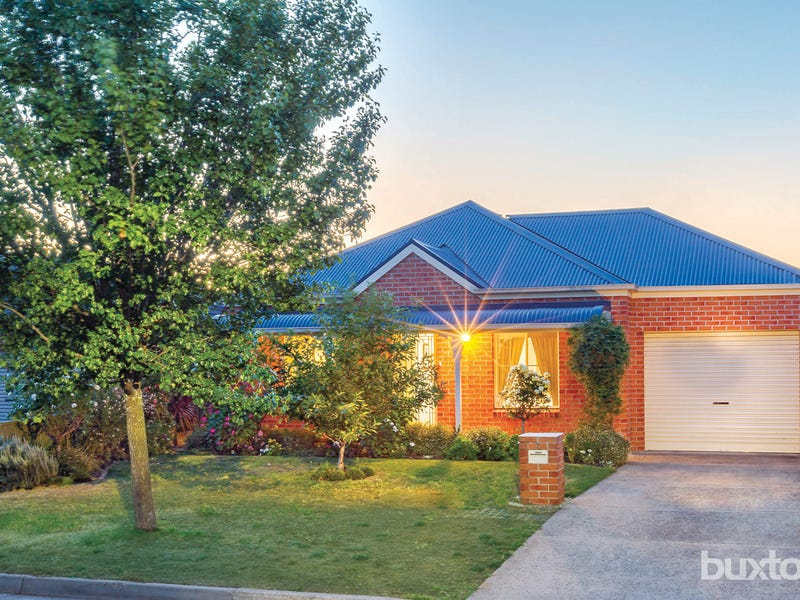 7 Parbury Avenue, Lake Gardens, Vic 3355