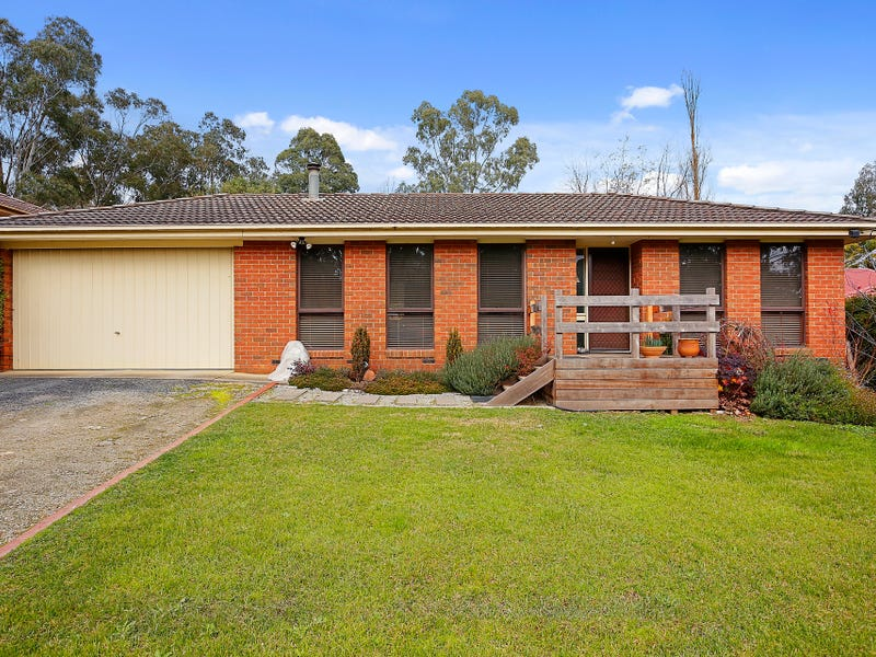 6 Valley Road, Seville, Vic 3139