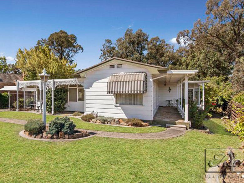 28 Mafeking Street South, Kennington, Vic 3550