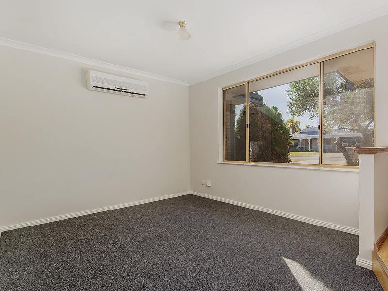 9 Canberra Close, Port Kennedy, WA 6172