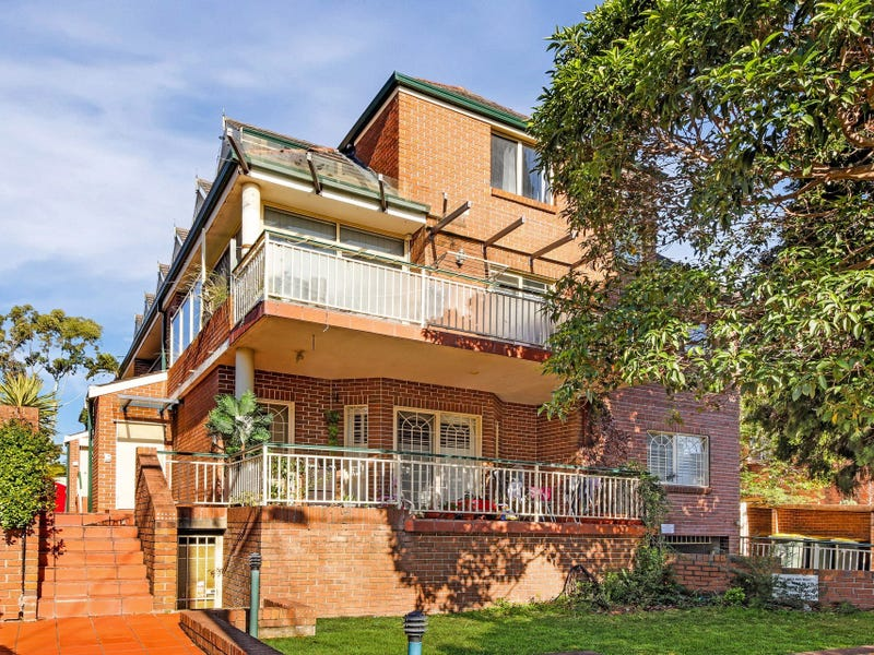 2/17 Coleridge Street, Riverwood, NSW 2210
