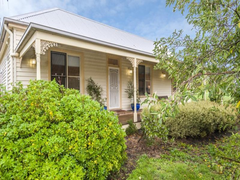 74 Old Lancefield Road, Woodend North, Vic 3442