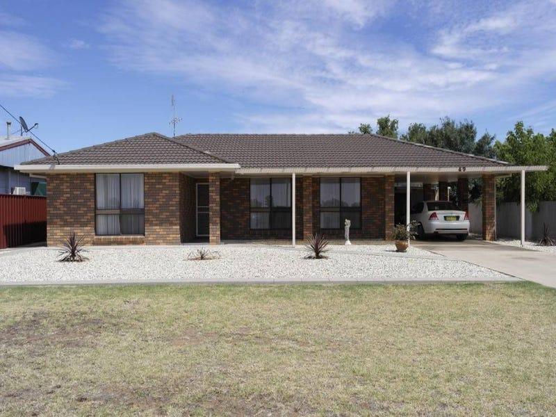 49 Howe Street, Finley, NSW 2713