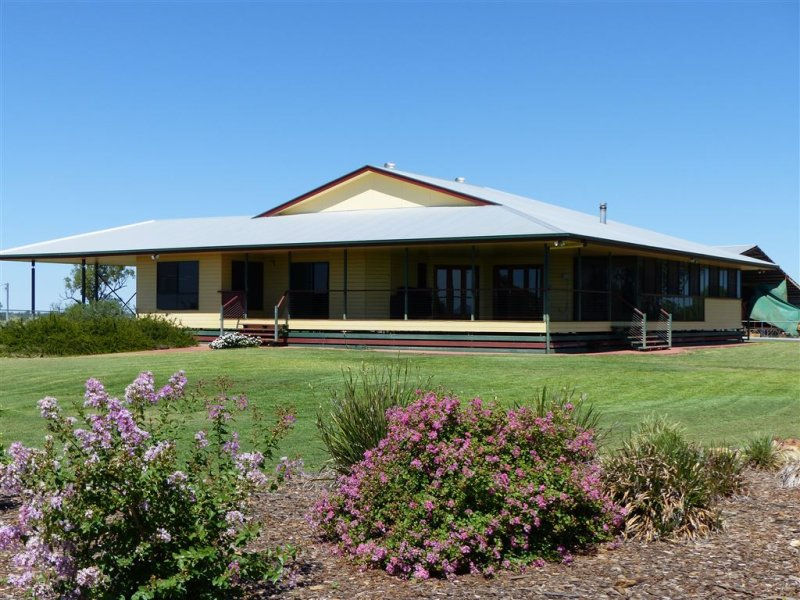 116 Lalors Lane, Roma, Qld 4455