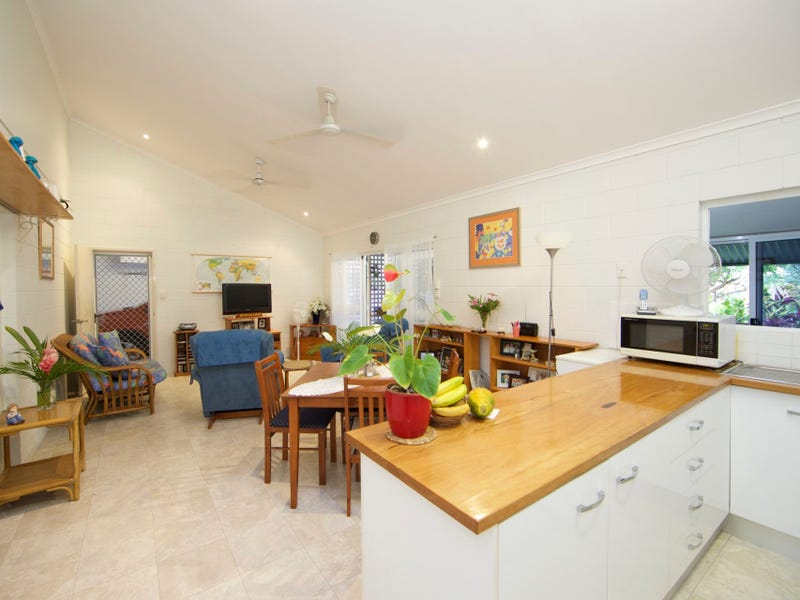 4/3-4 Holden Close, Whitfield, Qld 4870