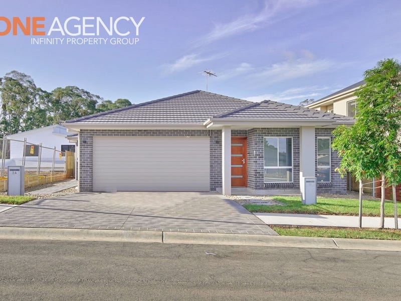 8 Knox Street, Campbelltown, NSW 2560