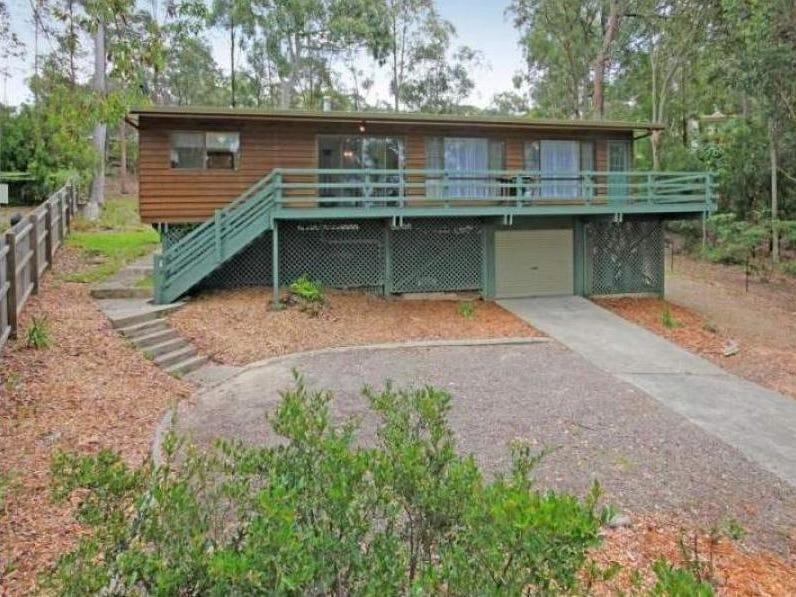 24 Johnson Place, Surf Beach, NSW 2536