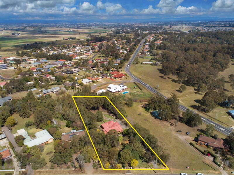 9 Largs Avenue, Largs, NSW 2320